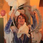 Шоу белых голубей на свадьбу