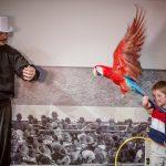 Шоу попугаев в Москве